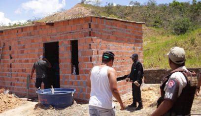 Ocupações irregulares são retiradas no bairro Nova Vitória