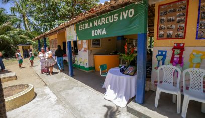 Livro de poesia é lançado na Escola Marcus Ivo Bonna