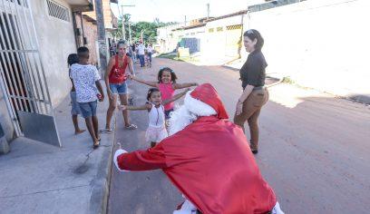 Natal Solidário 2018 contempla crianças do Parque Satélite