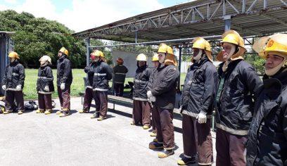 Agentes da Defesa Civil passam por uma capacitaçãono Polo Industrial