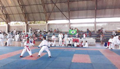 Karatecas de Camaçari participam de torneio com apoio da Prefeitura