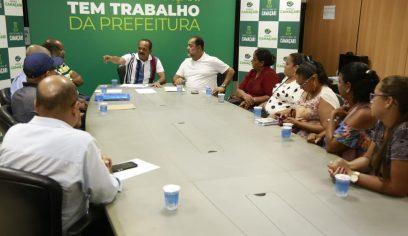 Prefeito se reúne com comissão de moradores de Jauá para discutir demandas da comunidade