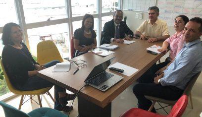 Prefeito participa de reunião em Fortaleza sobre o Programa Educar pra Valer