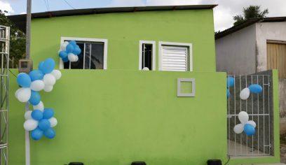 Programa Casa Melhor entrega residência reformada em Parafuso