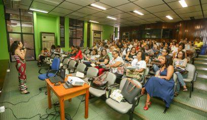 Professores passam por formação do Educar pra Valer