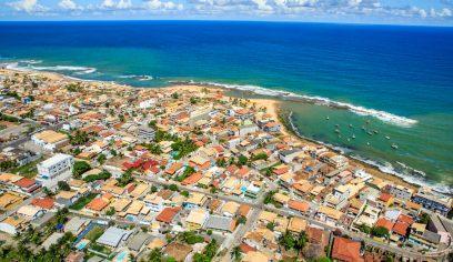 Arembepe recebe projeto Praia Linda é Praia Limpa