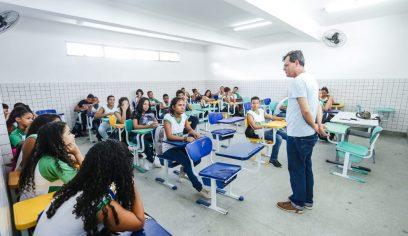 Chromebooks começam a ser entregues em escolas da rede municipal de ensino