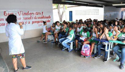 Cerca de 200 alunos da Escola Laurita participam de oficina do PPAC