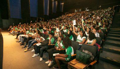 Teatro Cidade do Saber lotado marca aulão preparatório para avaliações