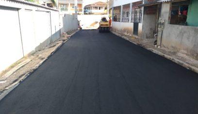 Obras de pavimentação asfáltica acontecem na sede e na Costa de Camaçari