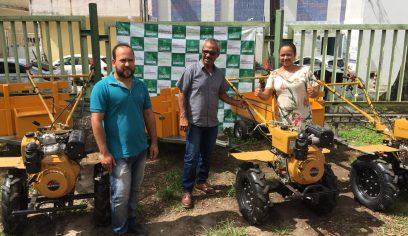 Motocultivadores da Sedap beneficiam duas localidades