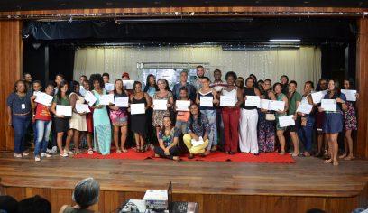 Moradores do MCMV celebram entrega de certificados pelo PTS