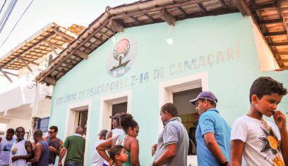 Programa Mão Amiga realiza entrega de cestas para pescadores e marisqueiras da Costa