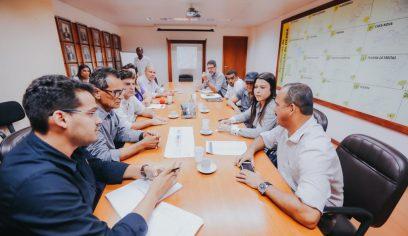 Prefeito debate mobilidade urbana de Camaçari com representantes do Governo do Estado