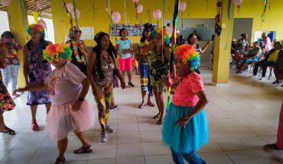 Animação e folia tomam conta do carnaval no Conviver
