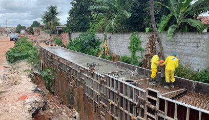 Prefeitura intensifica obras do canal do Rio Camaçari