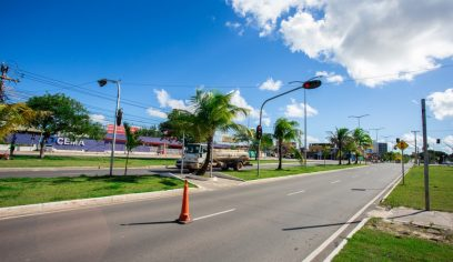 STT instala semáforo provisório na Avenida Jorge Amado