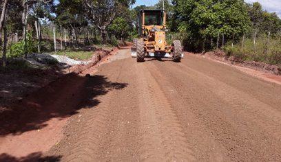 Prefeitura realiza obra na estrada entre Parafuso e Parque Verde II