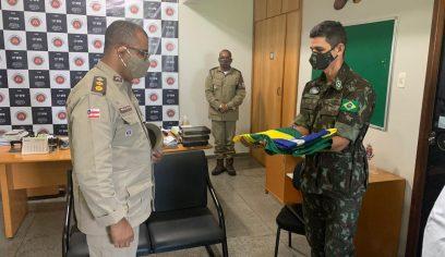 Tiro de Guerra recebe militares da 6ª Região Militar