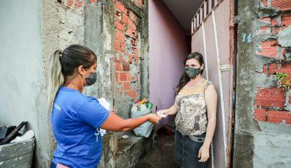 Prefeitura entrega benefícios para famílias do Jardim Brasília
