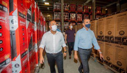 Prefeito visita fábrica da Amvox e trata sobre geração de novos empregos