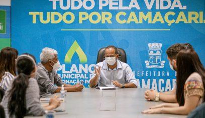 Prefeito reúne equipe da Saúde e determina compra da vacina contra a Covid-19