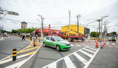 Serviço interdita trânsito em trecho da Francisco Drumond