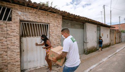 Sedes entrega cestas básicas às pessoas em situação de vulnerabilidade