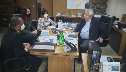 Prefeito vai à Brasília e trata sobre obras do Rio Camaçari