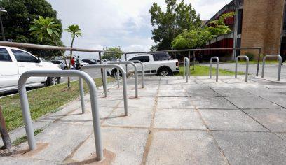 Paraciclos são instalados para garantir comodidade aos ciclistas