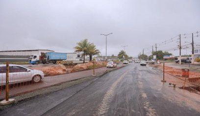 Melhoria em pavimento interdita provisoriamente a Jorge Amado no sentido HGC