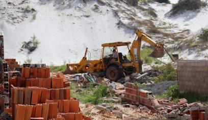 Dunas de Jauá são desocupadas em ação da Sedur nesta quinta (6/5)