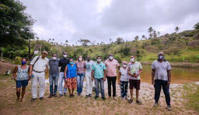 Secult se reúne com agentes culturais em visita à Lagoa da Paz