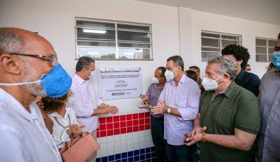 Elinaldo participa de cerimônia de entrega de duas escolas estaduais em Camaçari