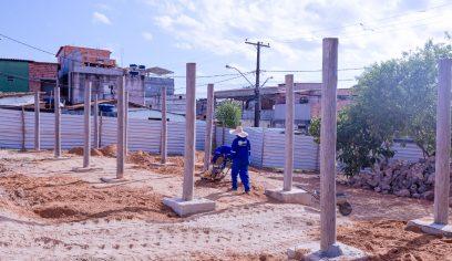 Obra de requalificação da Praça do Mangueiral é retomada