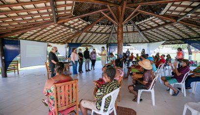 Curso prepara ambulantes e baianas de acarajé para o verão